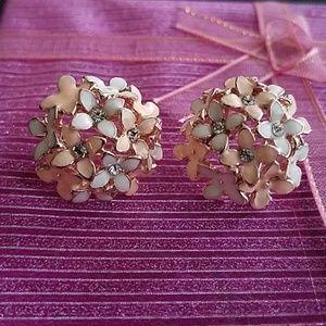 NWOT flower earrings